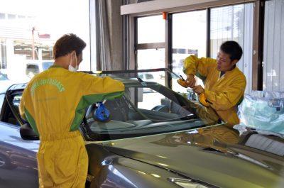 自動車ガラス交換